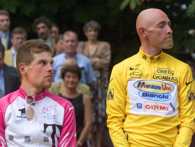 Pantani (sárgában) és Ullrich a dobogón