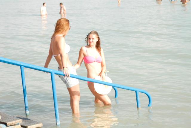 Zuhany helyett is jó volt a hűs Balaton.