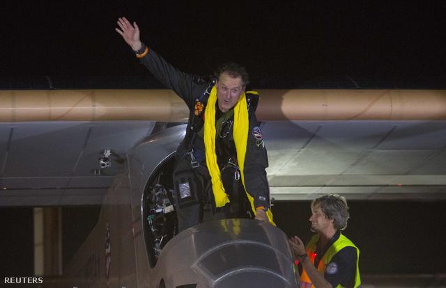 Borschberg, a gép pilótája