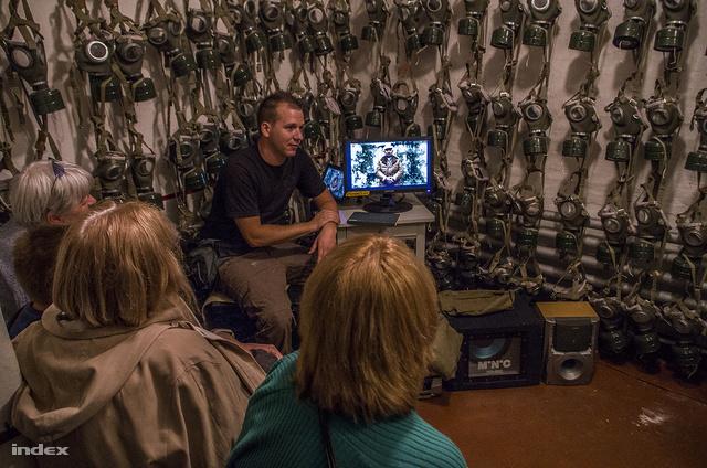 Bunkertúra a XXI. században: videók, hangeffektek, játszószoba megfogdosható tárgyakkal