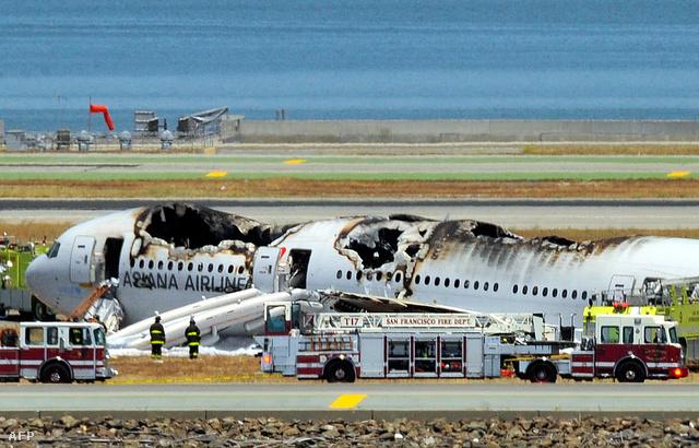 A San Francisco mellett lezuhant repülőgép roncsa