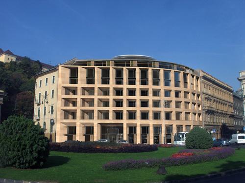 A korábban hotel, most irodaház látványterve