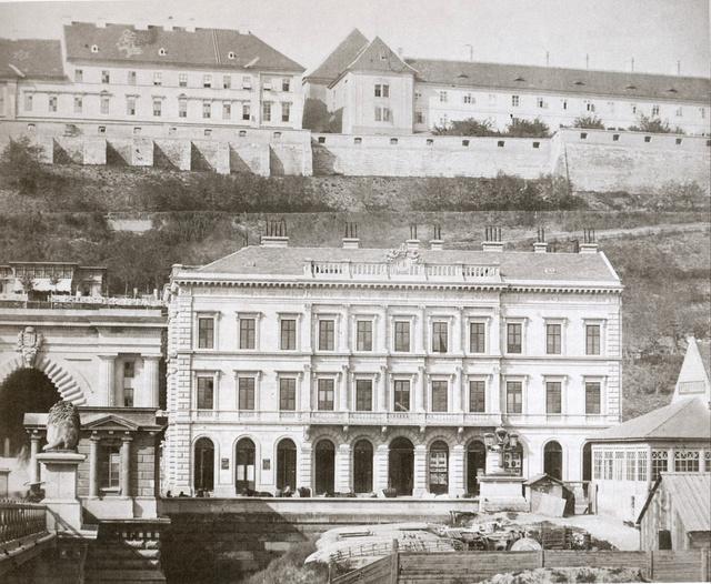 A Budai Takarékpénztár (Kép: egykor.hu)