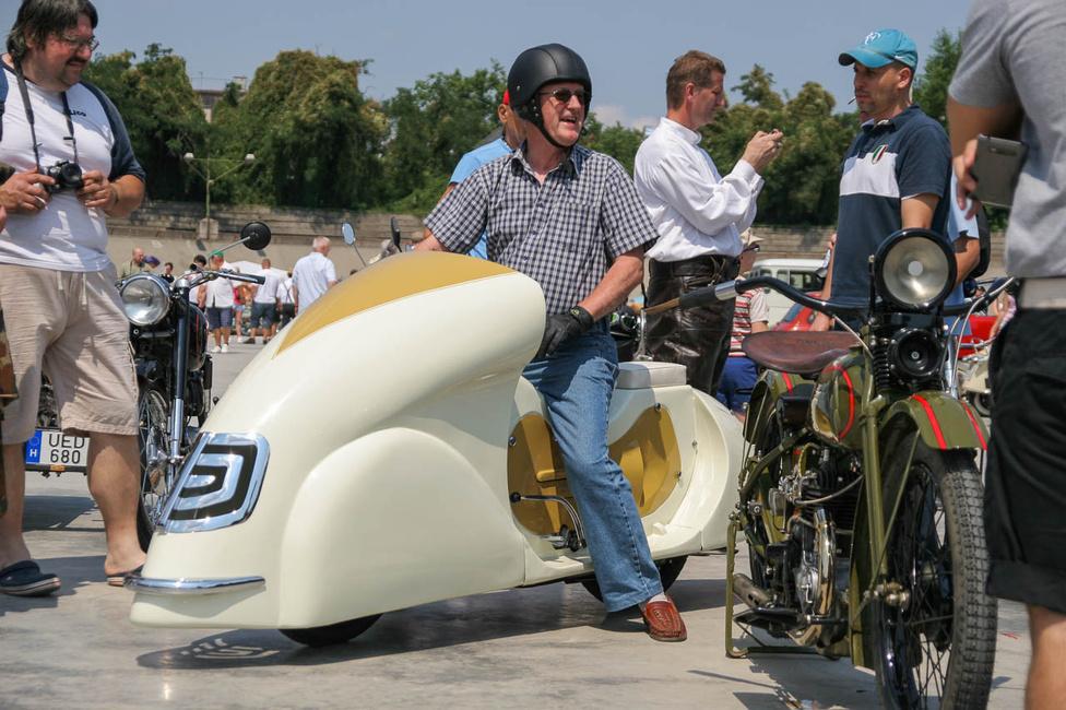Cyklomobil: 1949-es Csepel 125-re épített 1952-es tanulmánymotor. Az egyik legszebb magyar gép...