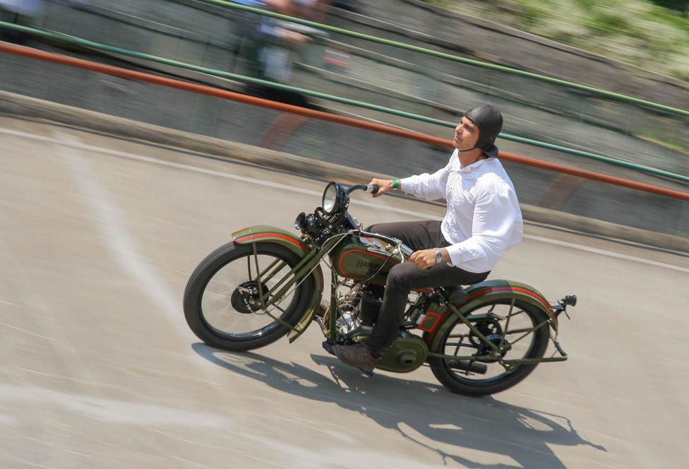 A húszas években készültek egyhengeres Harley-Davidsonok. A képen 1929-es 350-es látható
