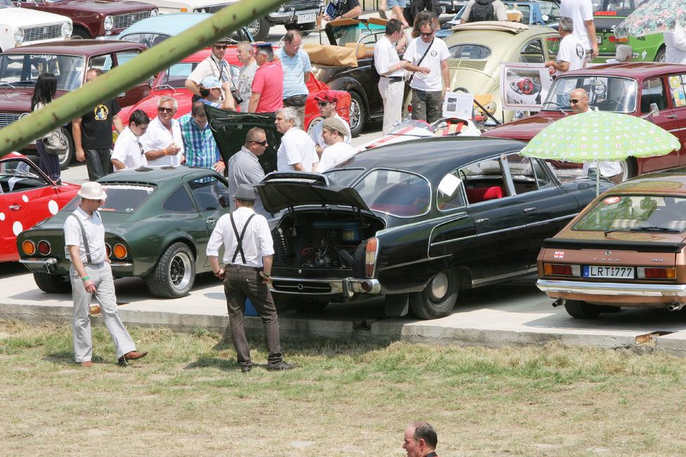 Ez bizony az a Tatra 603-as, ami a Totalcar tesztjében is szerepelt