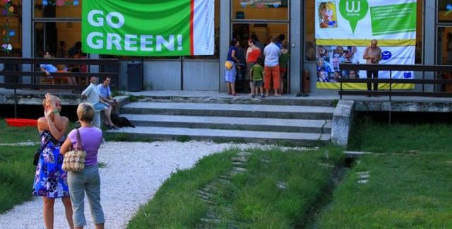 A Zöld Nyári Egyetem bejárata Velencén