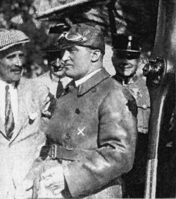 Vitéz Oszlányi Kaszala Károly (1894–1932) tábori pilóta, sportrepülő és motorversenyző