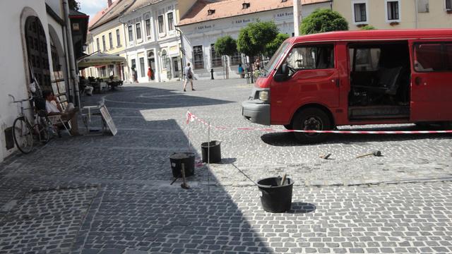 A szentendrei főtér és az utcakövek