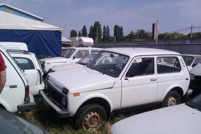 A négy Lada Niva mindegyike gazdára talált. Általában száz-százhúszezer forintért