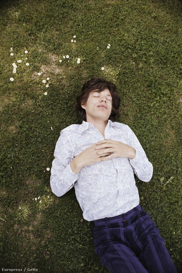 Így készült Mick Jagger az első esküvőjére 1971-ben.