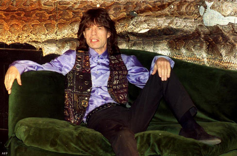 Jagger a Wandering Spirit című szólólemezét promózza 1993-ban. Az ötvenedik születésnapja felé közeledve ekkor azt nyilatkozta, hogy nem igazán akar lépést tartani a legújabb trendekkel.