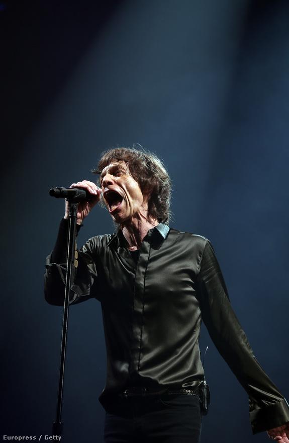 Mick Jagger június 29-én a Glastonbury fesztiválon. Érdekesség, hogy az 1970-ben indult rendezvényen eddig kellett várni egy Rolling Stones-fellépésre.