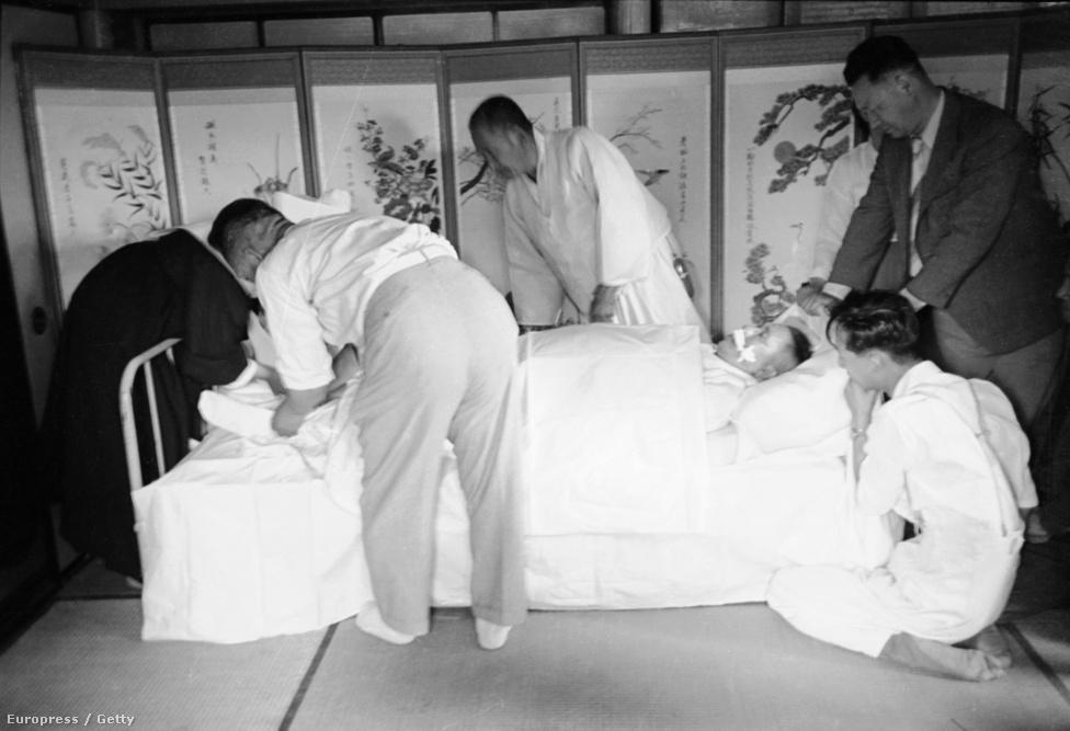 Kim Gu dél-koreai elnök, 1949-ben orgyilkos végzett vele. A hivatalos verzió szerint a gyilkos egyedül dolgozott, de egy 2001-ben a titkosítás alól feloldott amerikai katonai dokumentum szerint a CIA informátora, és később ügynöke volt.
