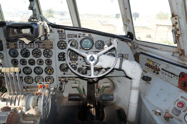 Il-18V (HA-MOA)