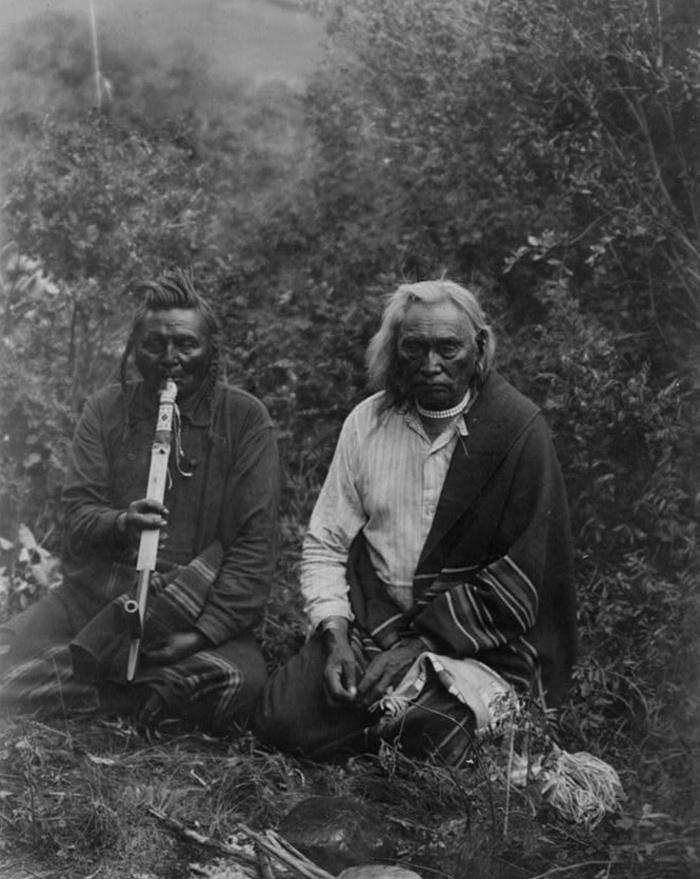 Pipázó crow (varjú) indiánok Montanában (1905 körül)