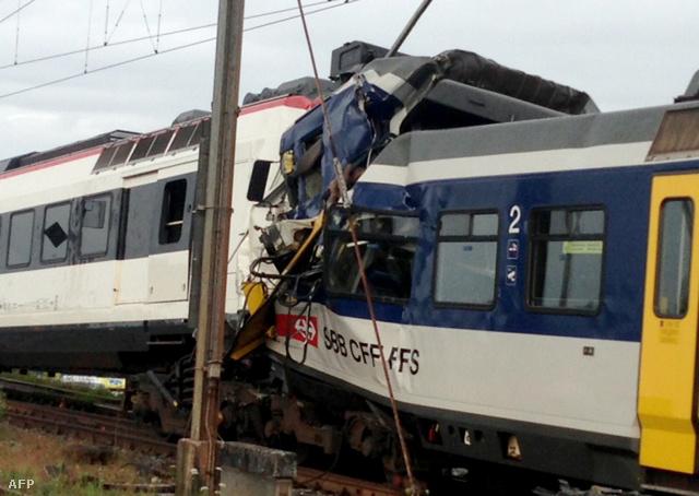 Svájcban két vonat futott egymásba július 29-én