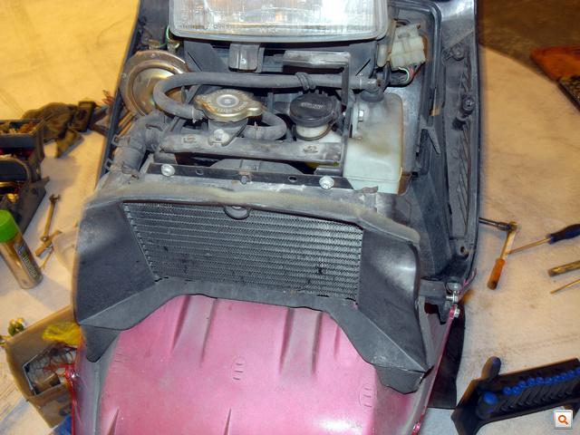 Tisztára autó: hűtő, kiegyenlítőtartály, termosztát, hőgomba a rendszerben