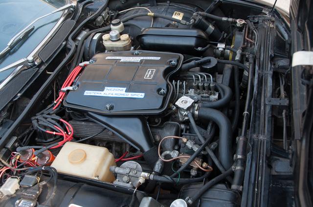 Két 1300-as Giulia motorjából tették össze a V8-ast