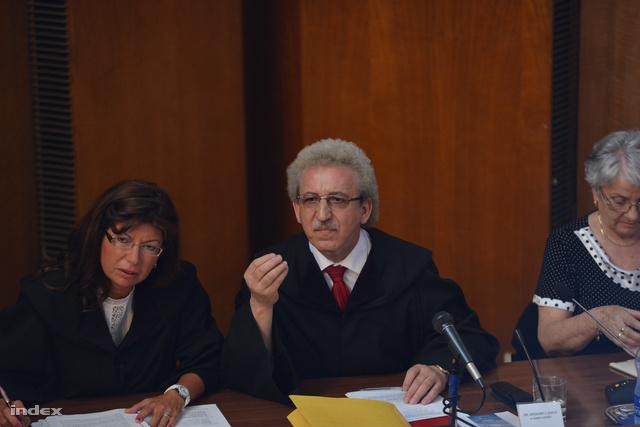 Dr. Miszori László, a tanács elnöke