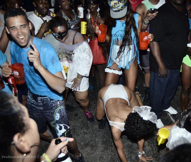 A földön: Rihanna