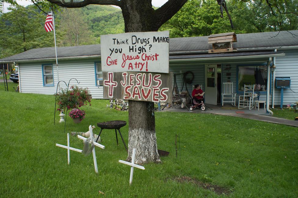 Appalachia, Virginia, 2013. Jézus sokkal messzebbre repít, mint bármilyen drog, szól az üzenet.