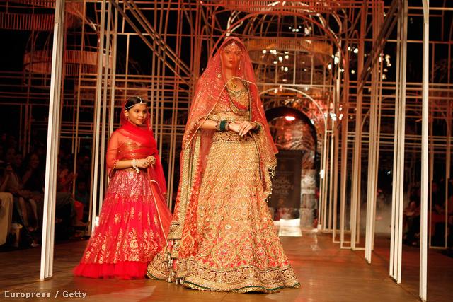 A tervező: Tarun Tahiliani