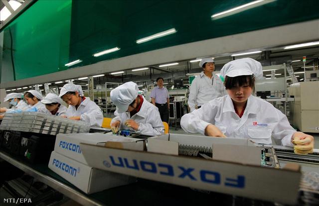 kína foxconn munkás sor K EPA20100526044