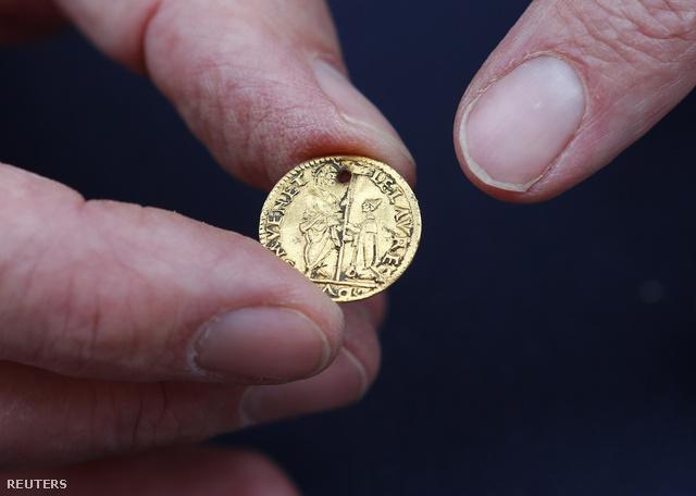 Az ásatáson előkerült velencei aranyérme