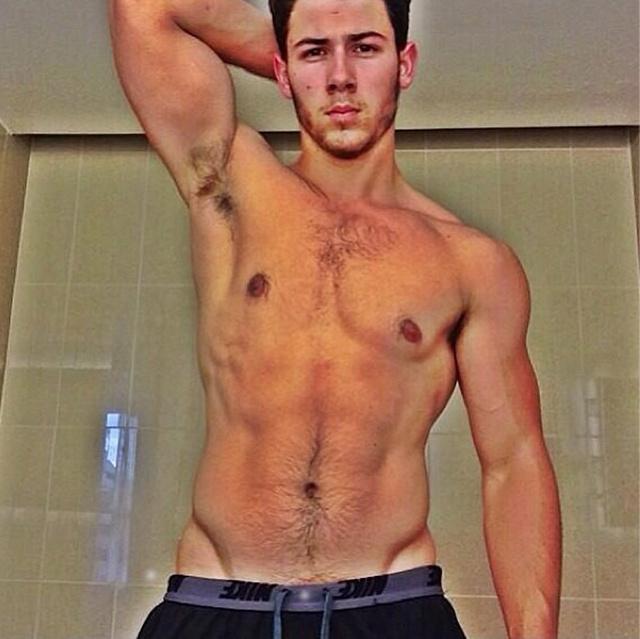 Nick Jonas 2013-ban
