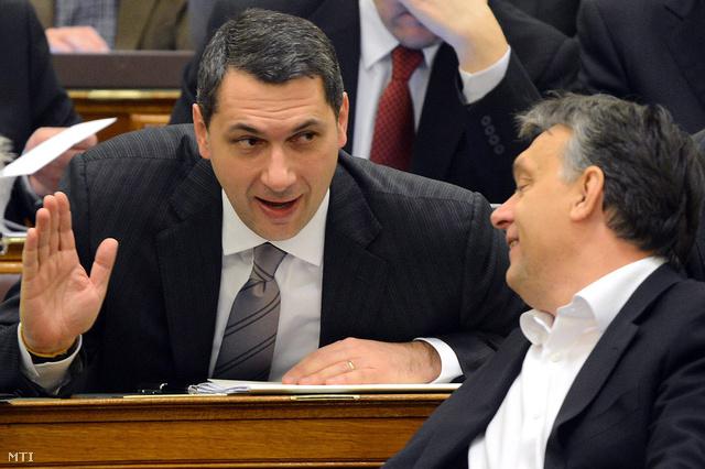 Lázár János és Orbán Viktor a Parlamentben