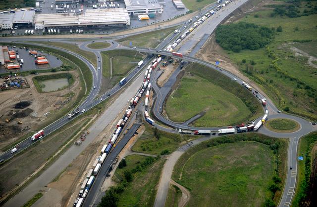 Az M0-s autópálya Dunaharasztinál