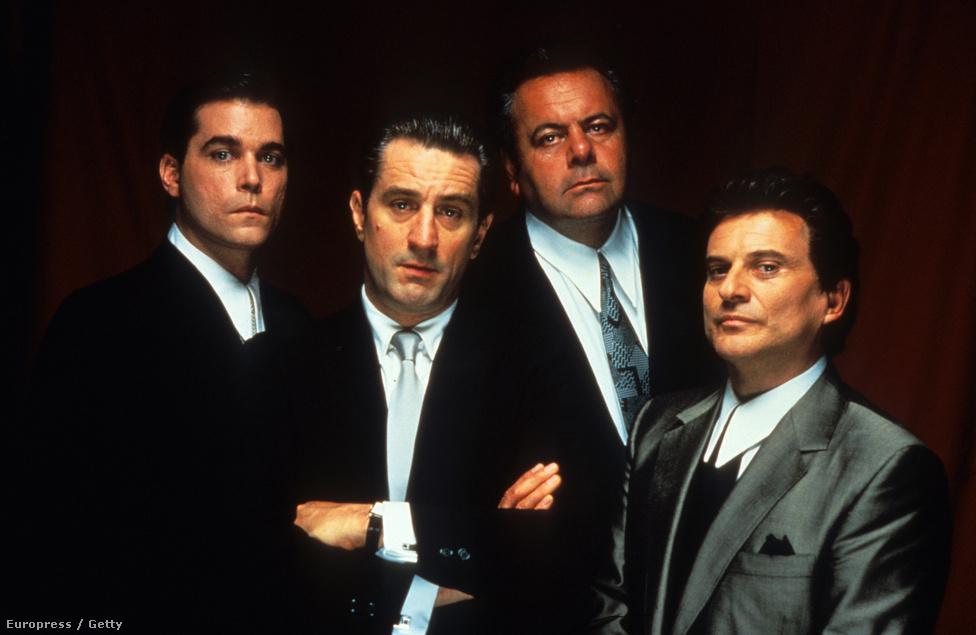 """Egy újabb Scorsese-film, a Nagymenők 1990-ből. Ez volt De Niro és a rendező hatodik közös munkája, amit hat kategóriában jelöltek Oscarra, de csak egy díjat nyert. """"Amióta csak az eszemet tudom, gengszter akartam lenni"""" - mondja a filmben Ray Liotta. A Nagymenők megtörtént eseményeket dolgoz fel, a forgatás idején a maffiózók már börtönben ültek. Bár De Niro sorra játszotta a maffiózószerepeket, ezek ekkoriban még nem voltak egyformák, minden alakításának más színt tudott adni."""