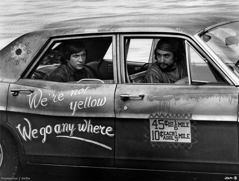 A színész egy korábbi, kevéssé ismert filmje, a Jennifer on My Mind forgatásán 1971-ben.  A hetvenes években De Niro évente két-három filmet készített, nagy részük mára filmtörténeti klasszikussá vált. Soha nem akart más lenni, mint színész. Művészcsaládba született és már tízévesen színpadra lépett.