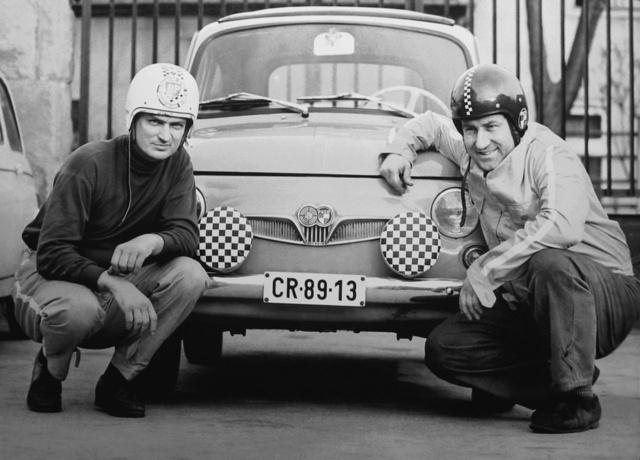 Zima–Kondorosi, anagy kettős. Aképen Zima János Puchja előtt guggolnak, az időpont 1969