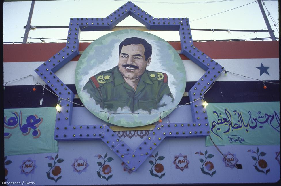 Szaddám Huszein arcképe buzdítja harcra az irakiakat.