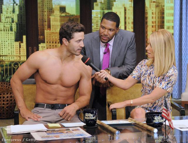 Anderson Davis a Live with Kelly and Michael című tévéműsorban