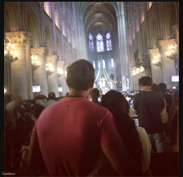Itt még Párizsban, együtt