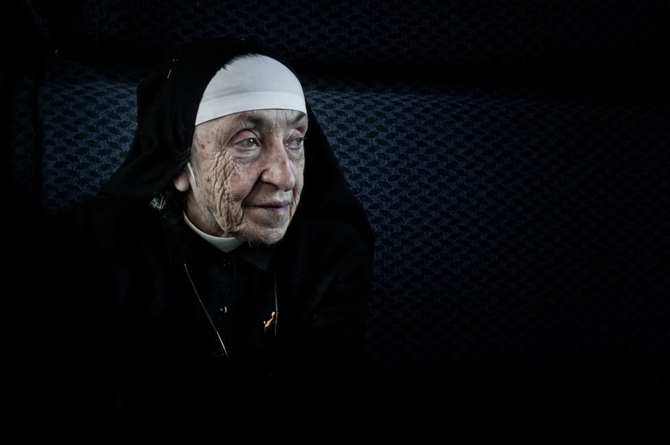 Ez a 92 éves apáca is a Fehér Vonat kísérői közé tartozik, odahaza pedig egy árvaház alapítója és vezetője.