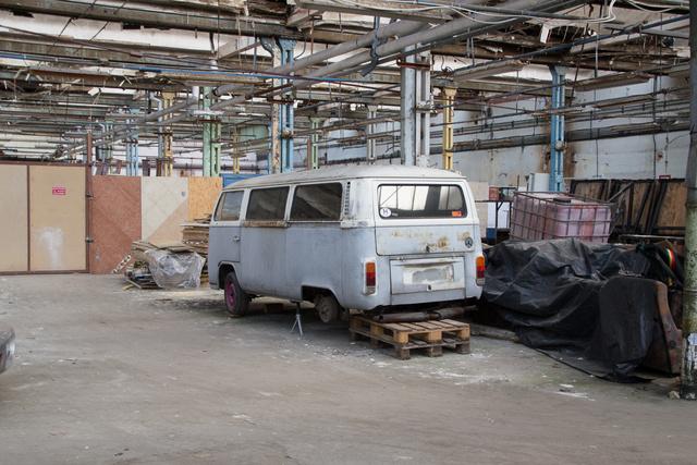 Dani barátom T2-je is egy ex-gyárépületben várja a megújulást