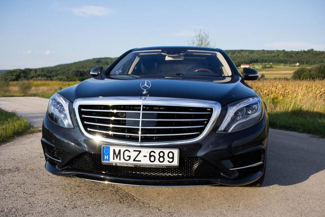 A Mercedes csillag nem maradhatott le, bár nélküle nyilván még jobb lenne a légellenállás