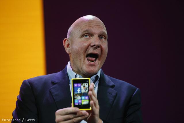 Steve Balmer leköszönő Microsoft-vezér egy Nokia-bemutatón