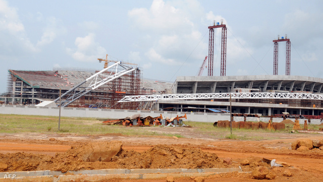 """A """"Kína és Gabon Barátság Stadion"""" építése 2010-ben"""