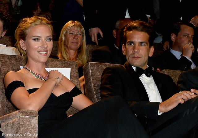 Scarlett Johansson és Romain Dauriac