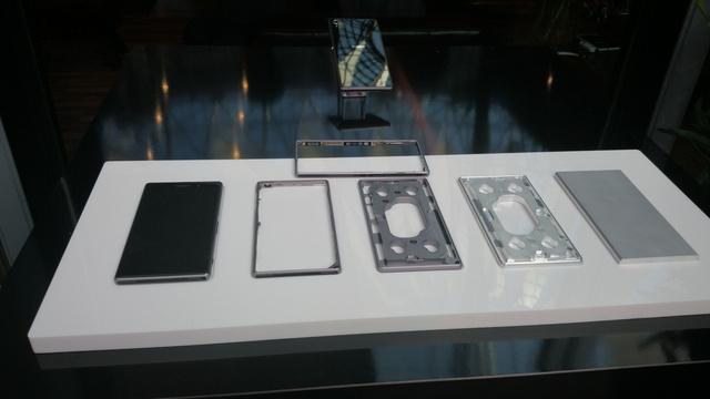 Így készült az Xperia Z1 alumínium kerete