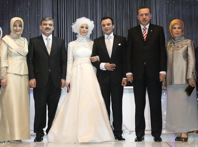 Esra Erdogan esküvője