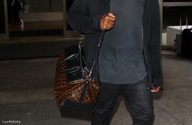 Kanye West az LAX reptéren idén júliusban