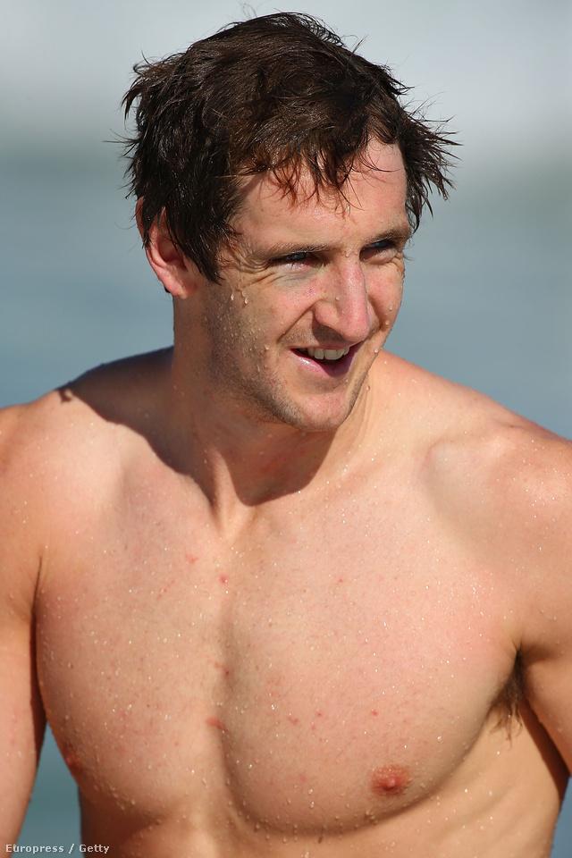 Michael Barlow kisétált az óceánból