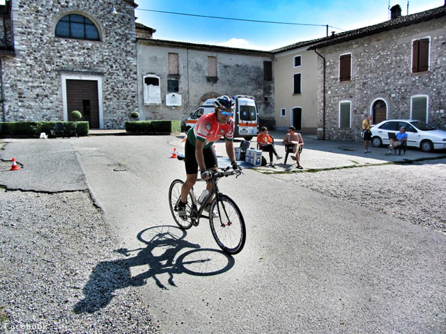Szőnyi Ferenc kerékpáron