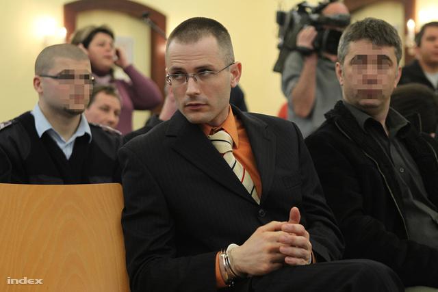 Zuschlag János a bíróság előtt, 2011-ben.